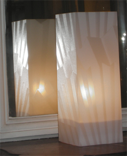 Lampe Eventail Blanc. <BR><I>Lamp Fan White.</I>